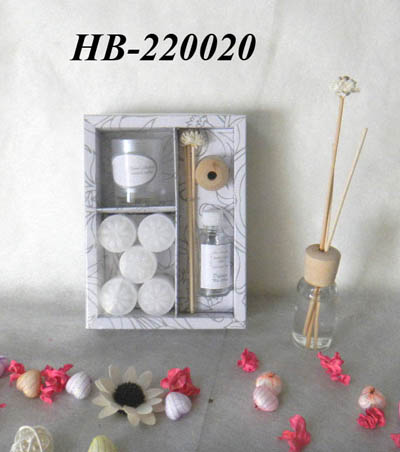 Reed diffuser with candle set