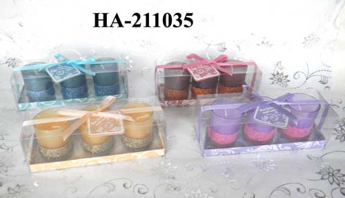 scented candles with glass holder in gift box